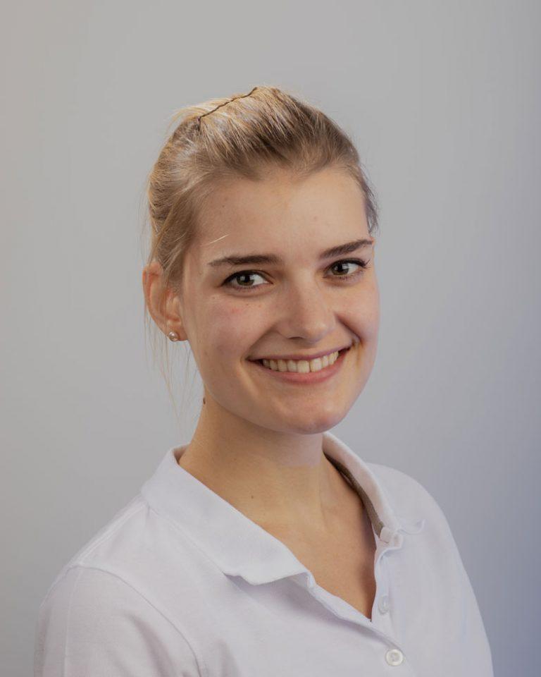 Malin Prüßmann, Zahnärztin